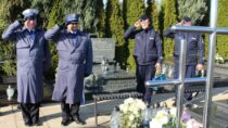 Wieluńscy mundurowi odwiedzili groby zmarłych policjantów