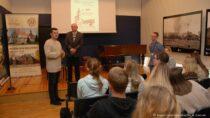 Wwieluńskim muzeum odbyły się warsztaty dla młodzieży zklas dziennikarskich II LO wWieluniu