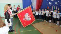 Pierwszoklasiści zSP im.W. Witosa wRudzie uroczyście dołączyli dogrona uczniów