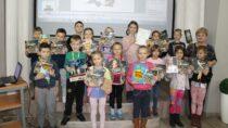 Międzynarodowy Dzień Postaci zBajek wbibliotece miejskiej wWieluniu