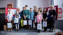 """Wieluński Dom Kultury rozstrzygnął konkurs zatytułowany """"Jak młodzi widzą niepodległość"""""""
