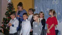 WTurowie dzieci wystąpiły wJasełkach Bożonarodzeniowych