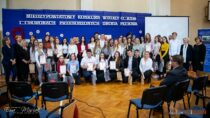 Wiktoria Parzybut zTechnikum SPSK wWieluniu zwycięzcą Międzypowiatowego Konkursu wiedzy oAIDS