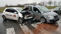 Nadrodze krajowej nr45 wmiejscowości Raczyn zderzyły się trzy samochody