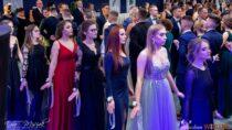 Wsobotę odbył się wielki bal studniówkowy maturzystów Zespołu Szkół nr1 wWieluniu