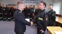 Dwóch nowo zatrudnionych strażaków wKP PSP wWieluniu złożyło ślubowanie