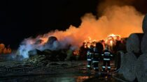 20 godzin strażacy gasili pożar wmiejscowości Jasna Góra gm. Mokrsko