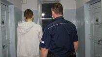 Wieluńska policja zatrzymała trzy osoby podejrzane oprzestępstwa narkotykowe