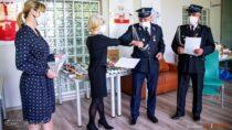 Filia Biblioteczna wDąbrowie otrzymała dar książkowy oddruhów zOSP Dąbrowa