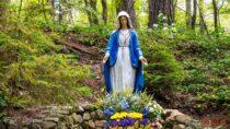 Dolina Objawienia ma nowe figury Matki Bożej iJana Pawła II