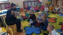Wieluńscy policjanci uczcili Ogólnopolski Dzień Głośnego Czytania