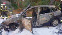 Cztery zastępy straży gasiły pożar samochodu natrasie Wróblew – Przedmość