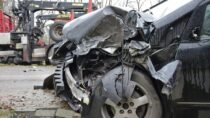 Wypadek drogowy wSiemkowicach. Ucierpiał pasażer mercedesa