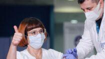 WPolsce ruszyły szczepienia przeciw COVID-19