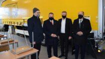 Kurator Oświaty wŁodzi zwizytą wplacówkach szkolnych naszego powiatu