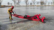 Strażacy zJRG Wieluń ćwiczyli ratownictwo nalodzie