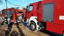 3 zastępy straży gasiły pożar wagonu towarowego wDąbrowie