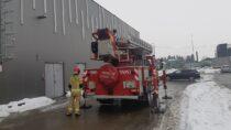 Wieluńscy strażacy skontrolowali stan pokrywy śnieżnej nadachach