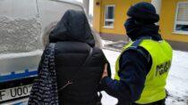 Policjanci zatrzymali oszustów iodzyskali sprzęt elektroniczny
