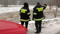 Strażacy monitorowali stan rzek wzwiązku zzagrożeniem powodziowym