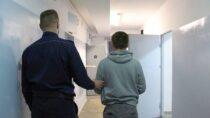 Do7,5 roku więzienia grozi amatorowi drogiego alkoholu