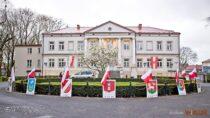 Instytucje imieszkańcy Wielunia uczcili Święto Flagi Państwowej RP