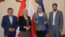 1,6 mln. zł. dla samorządów powiatu wieluńskiego nadrogi dojazdowe dogruntów rolnych