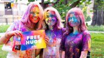 Wieluńskie Święto Kolorów czyli radość iniecodzienna zabawa kolorowymi proszkami