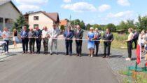 Uroczyste zakończenie przebudowy drogi powiatowej wLeniszkach