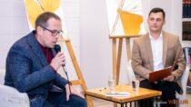 Wbibliotece powiatowej odbyło się spotkanie autorskie zMaciejem Bieszczadem